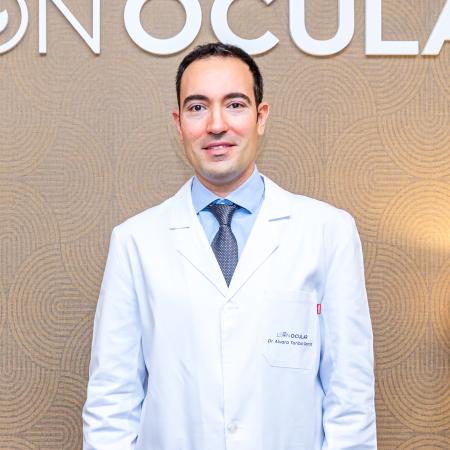 Dr. Álvaro Toribio